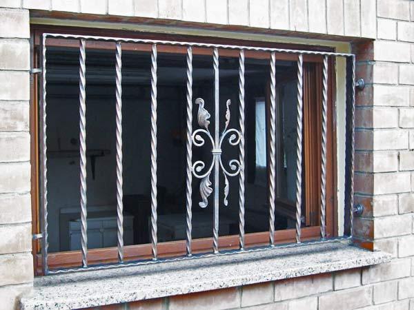 Finestra fissa tipo 9 orma fabbro cancelli finestre - Cancelli in ferro per porte finestre ...