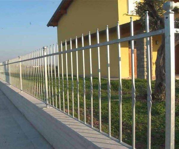 Recinzione in ferro tipo 3 orma fabbro cancelli finestre ferro battuto lavorazione del - Cancelli x finestre ...
